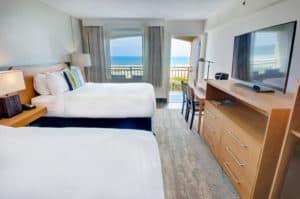 Queen Oceanfront Renovated with Balcony