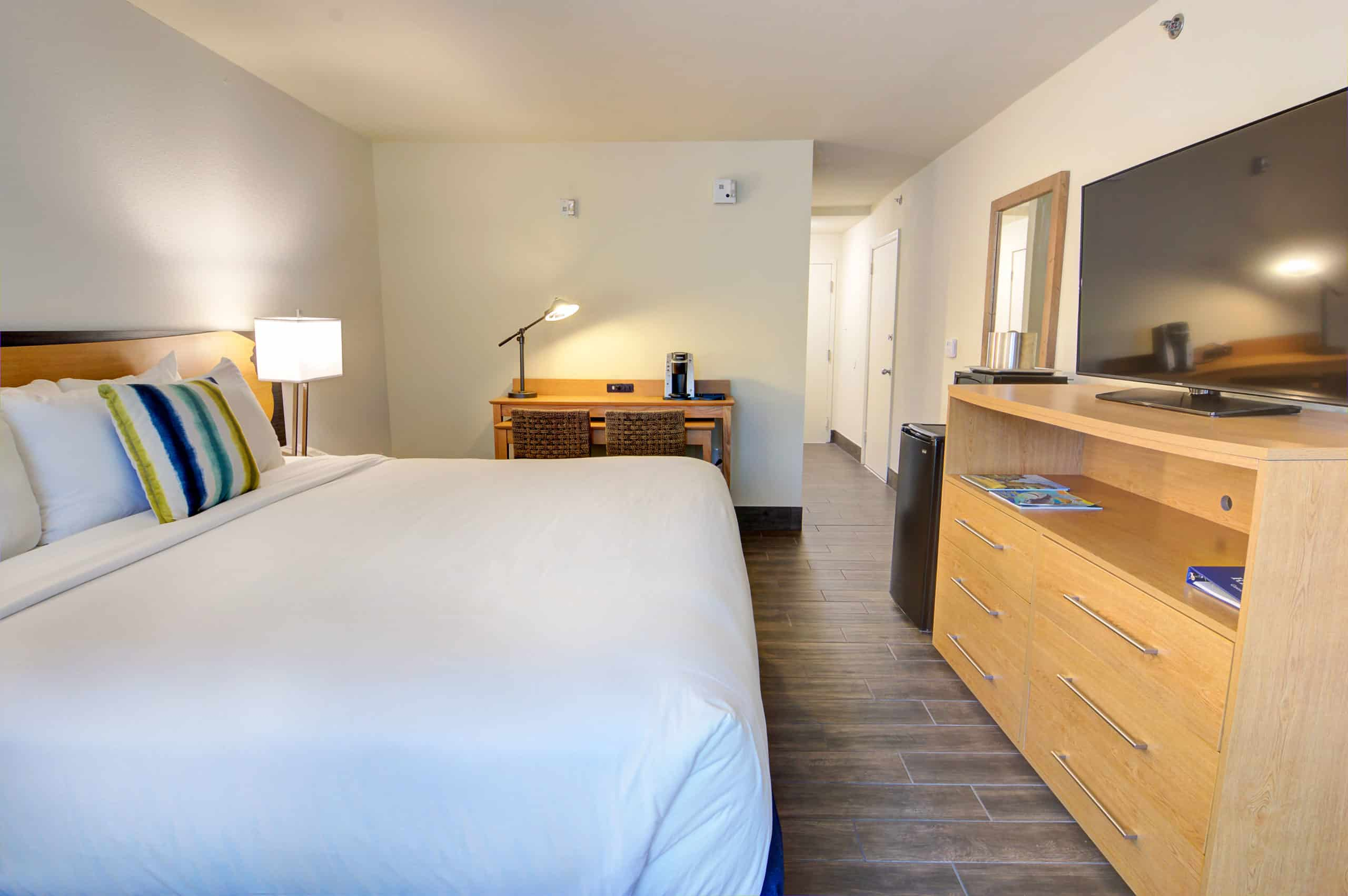 one queen accessible guest room